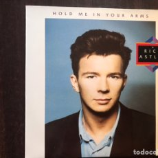 Discos de vinilo: RICK ASTLEY. HOLD ME IN YOUR ARMS. Lote 206190596