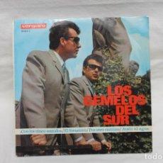 Discos de vinilo: LOS GEMELOS DEL SUR, SINGLE, CON LOS CINCO SENTIDOS, 1967. Lote 206194090