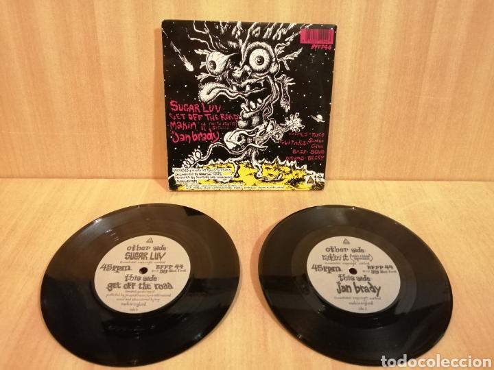 Discos de vinilo: Lunachicks. 2 x 7. Singles. Sugar Luv, etc. - Foto 2 - 206316698