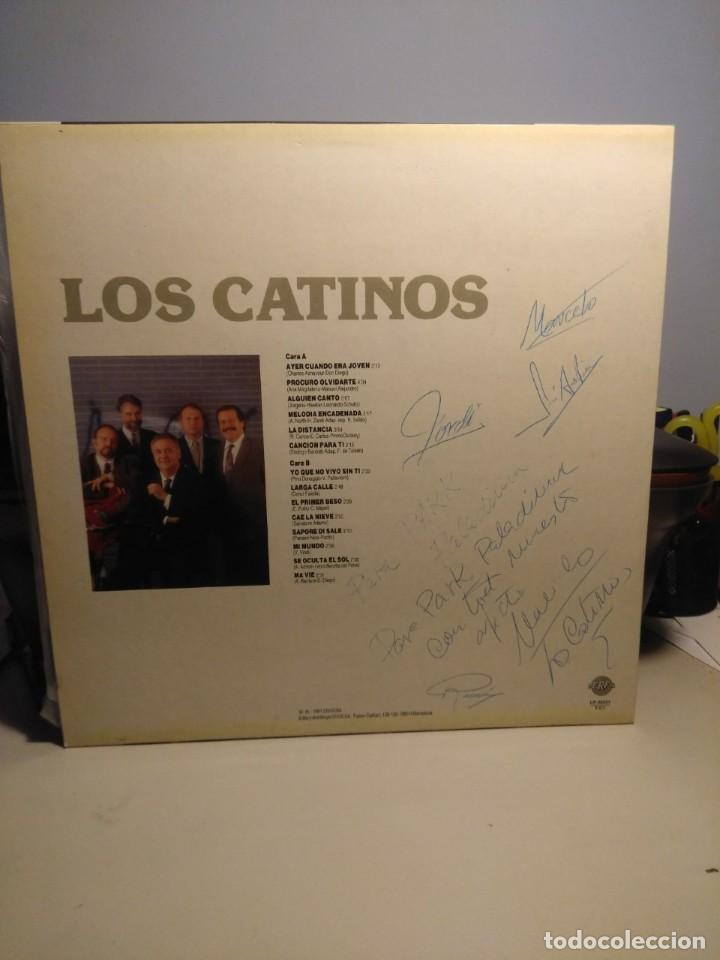 Discos de vinilo: LP LOS CATINOS : CANCIONES ROMANTICAS ( FIRMADO POR 4 MIEMBROS DEL GRUPO) - Foto 2 - 206350260
