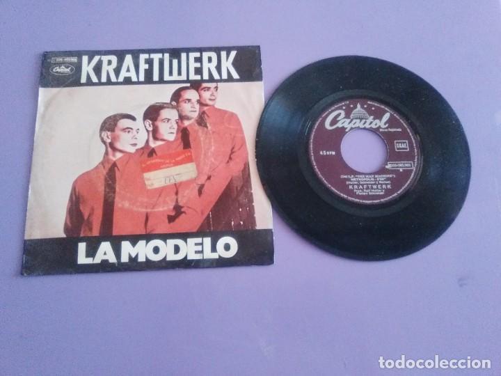 JOYA SINGLE MUY RARO . KRAFTWERK. LA MODELO. TITULO EN ESPAÑOL.SPAIN 1979.CAPITOL 10 C 066 085 965 (Música - Discos - Singles Vinilo - Electrónica, Avantgarde y Experimental)