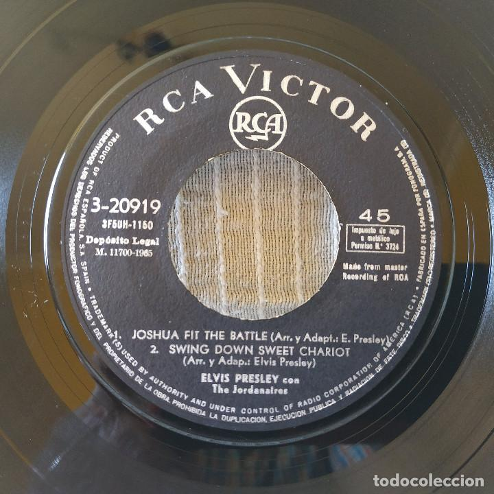 Discos de vinilo: ELVIS PRESLEY - CRYING IN THE CHAPEL + 3 - EP ORIGINAL SPAIN RCA VICTOR 3-20919 DEL AÑO 1965 - Foto 4 - 206468948