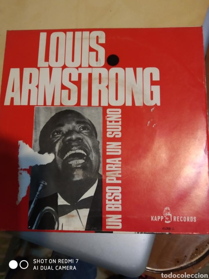 Discos de vinilo: Louis Armstrong. Un beso para un sueño y Se mi compañera. - Foto 3 - 206839372