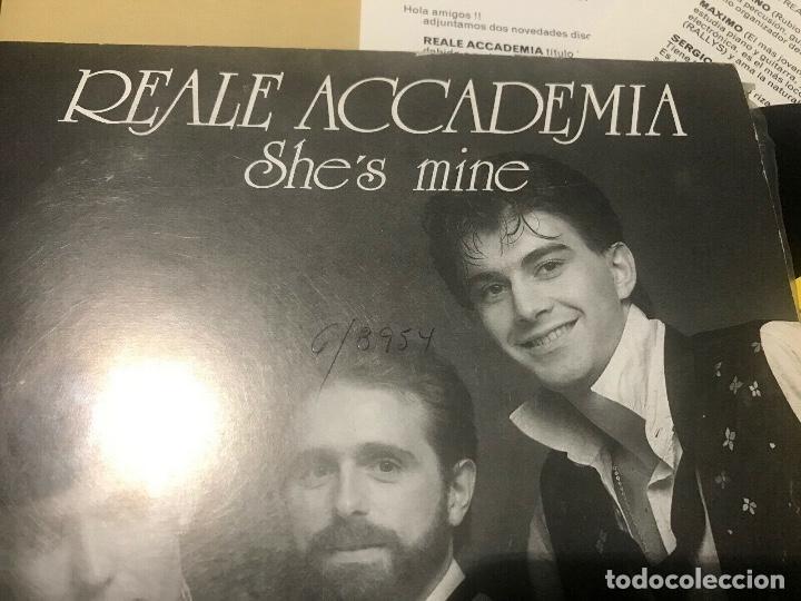 Discos de vinilo: REALE ACCADEMIA - SHES MINE - SINGLE PROMOCIONAL + INSERTS - ITALO DISCO - Foto 3 - 206930043