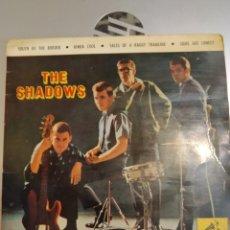 Discos de vinilo: THE SHADOWS. SOUTH OF THE BORDER. EP. Lote 206995667