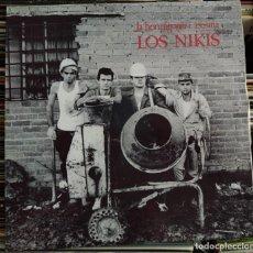 Discos de vinilo: LOS NIKIS - LA HORMIGONERA ASESINA (LP, ALBUM, VINILO BLANCO) (3 CIPRESES) 4C-234 (EX). Lote 207026263