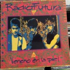 Discos de vinilo: RADIO FUTURA - VENENO EN LA PIEL (LP, ALBUM) (ARIOLA) 5F 210638 (EX). Lote 207026490