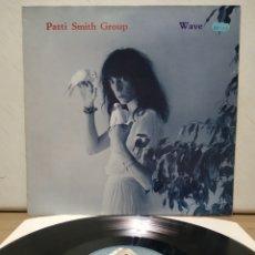 Discos de vinilo: PATTI SMITH GROUP - WAVE 1979 ED ALEMANA CON INSERTO DOBLE. Lote 207046897