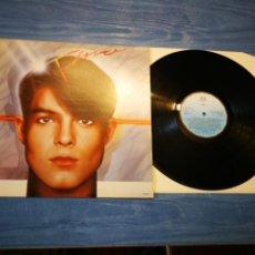 Discos de vinilo: TINO FERNANDEZ LP DE VINILO AÑO 1984 COMPONENTE DEL GRUPO PARCHIS EN SOLITARIO DISCOFOBIA 10 TEMAS. Lote 207114353