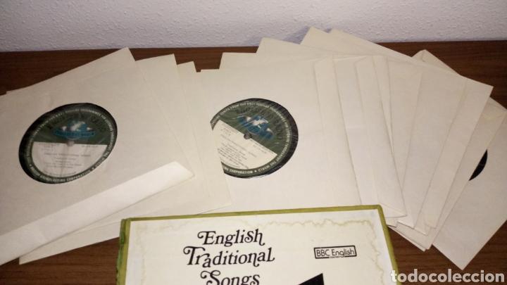 Discos de vinilo: Lote 13 single english traditional songs bbc courses curso ver fotos caja necesita limpieza manchas - Foto 2 - 207144161
