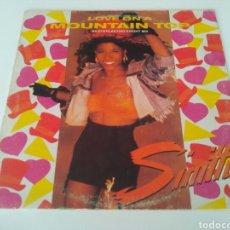 Discos de vinilo: SINITTA–LOVE ON A MOUNTAIN TOP (AN EVERLASTING KNIGHT MIX). Lote 207147350