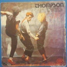 Discos de vinilo: SINGLE / THOMPSON TWINS / LIES - BEACH CULTURE / ARISTA 1982. Lote 207155555