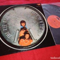 Discos de vinilo: THE BEE GEES LIFE IN A TIN CAN LP 1973 POLYDOR EDICION ESPAÑOLA PORTADA ABIERTA EXCELENTE ESTADO. Lote 207203342