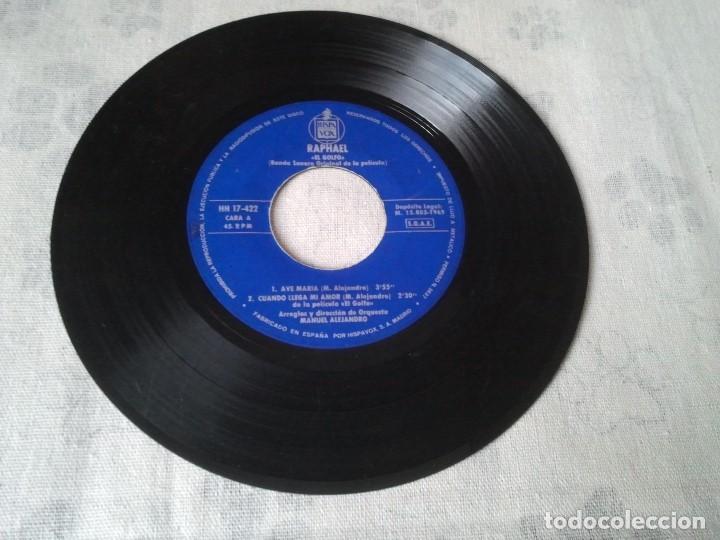 Discos de vinilo: Antiguo lote de discos retro de Formula V y Raphael (banda sonora El Golfo) - Foto 7 - 207235635