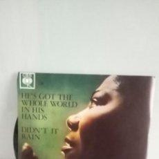 Discos de vinilo: MAHALIA JACKSON HE´S GOT THE WHOLE WORLD IN HIS HANDS / DIDN´T IT RAIN. Lote 207544510