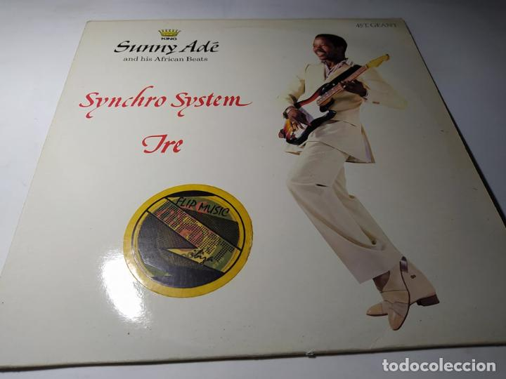 MAXI - KING SUNNY ADE & HIS AFRICAN BEATS – SYNCHRO SYSTEM - 812 601-1 ( VG+ / VG+) FRANCE 1983 (Música - Discos de Vinilo - Maxi Singles - Jazz, Jazz-Rock, Blues y R&B)