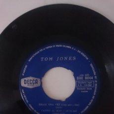 Discos de vinilo: SINGLE --- TOM JONES --- AÑO 1965 -VER FOTOS. Lote 207672237