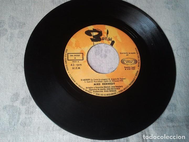 Discos de vinilo: Tres discos de vinilo retro de Raphael, Mike Kennedy y la Compañía. Antiguos DJ - Foto 6 - 207724507