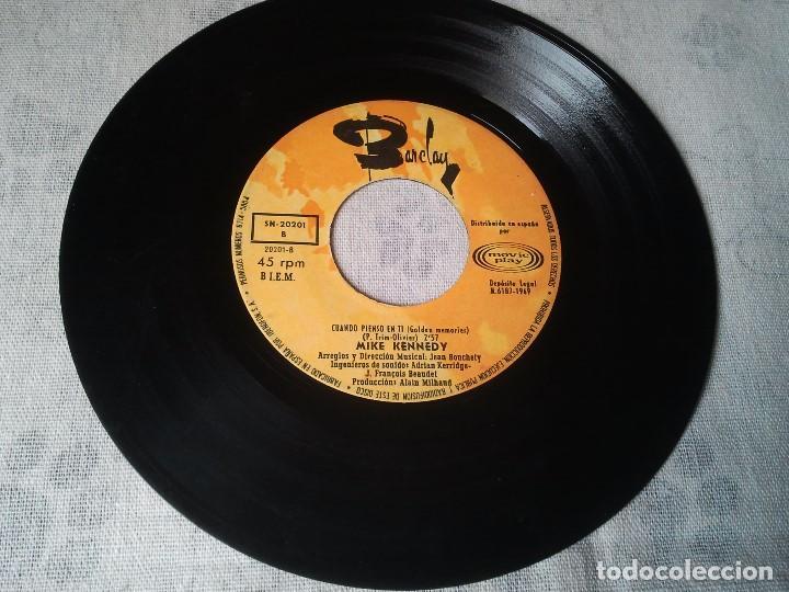 Discos de vinilo: Tres discos de vinilo retro de Raphael, Mike Kennedy y la Compañía. Antiguos DJ - Foto 7 - 207724507