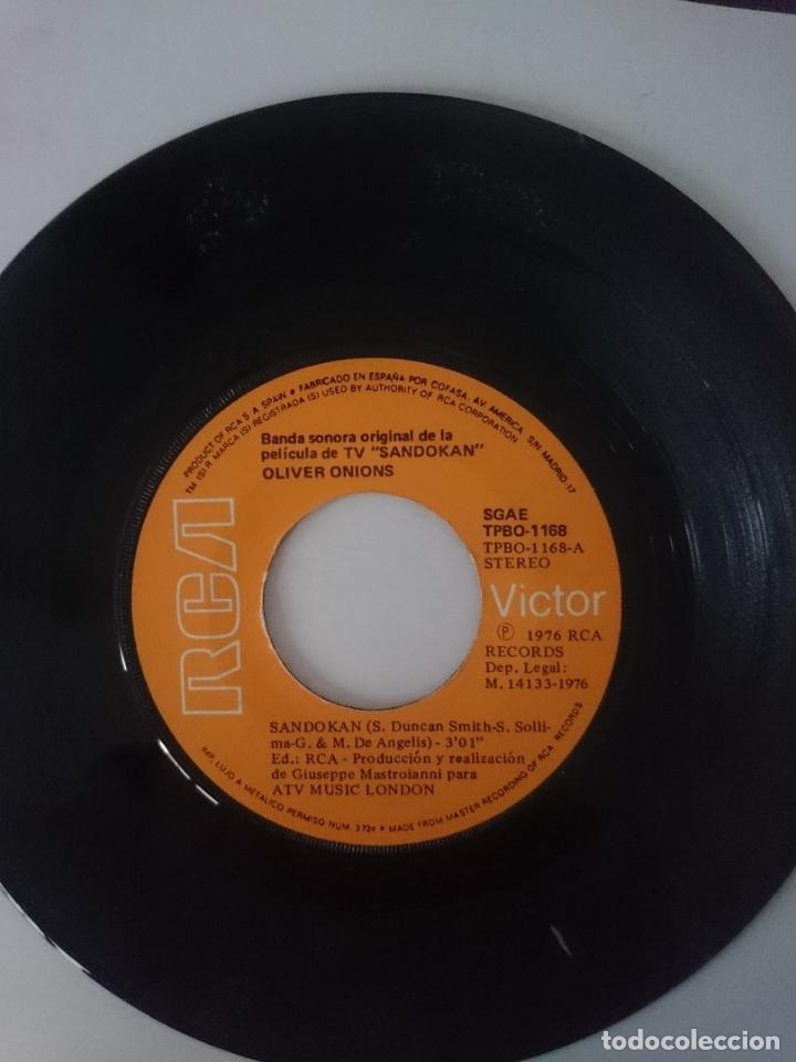 SINGLE - B.S.O. SERIE TELEVISION SANDOKAN - AÑO 1976 -VER FOTOS (Música - Discos - Singles Vinilo - Bandas Sonoras y Actores)