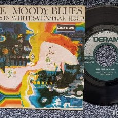 Discos de vinilo: THE MOODY BLUES - NIGHTS IN WHITE SATIN / PEAK HOUR. EDITADO POR COLUMBIA. AÑO 1.967. Lote 207859472