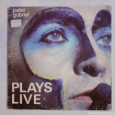 Discos de vinilo: PETER GABRIEL. PLAYS LIVE. 2 LP. CHARISMA XH-302.527. ESPAÑA 1983. FUNDA G. DISCOS VG+ VG+. Lote 208110897