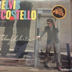 Discos de vinilo: LP ELVIS COSTELLO, TAKING LIBERTIES (COLUMBIA 1980) LP USA. Lote 208189013