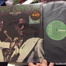 Discos de vinilo: LP SAMMY DAVIS JR - HEARIN´S BELIEVIN -RCA 1977 - MEDLEY BEATLES. Lote 208192588