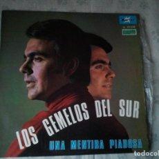 Discos de vinilo: DISCO LP DE LOS GEMELOS DEL SUR. UNA MENTIRA PIADOSA. DISCO DE VINILO. Lote 208733078