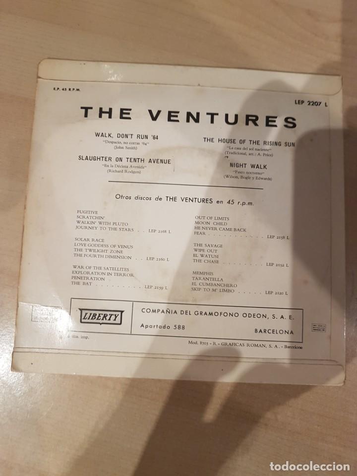 Discos de vinilo: THE VENTURES 1965 EP Walk, Dont Run 64 - Foto 2 - 209044196
