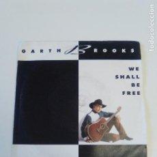Dischi in vinile: GARTH BROOKS WE SHALL BE FREE / THE RIVER ( 1992 EMI UK ). Lote 209254733