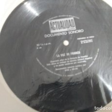 Discos de vinilo: DISCO FLEXIBLE SINGLE - LA ACTUALIDAD ESPAÑOLA, DOCUMENTO SONORO - LA VOZ DE FRANCO REF,. UR. Lote 209304122
