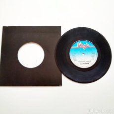 "Discos de vinilo: SEX PISTOLS. HOLIDAYS IN THE SUN. 7"". FUNDA GENÉRICA. Lote 234578520"