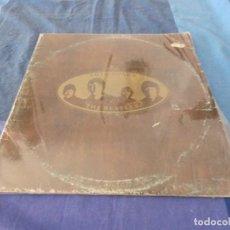 Discos de vinilo: LP THE BEATLES LOVE SONGS PORTADA FATIGADA VINILOS CON ALGUNA LINEA BASTANTE PRESENTABLES. Lote 209632990
