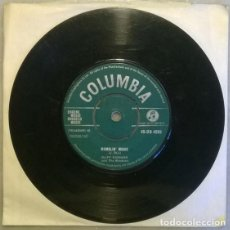 Discos de vinilo: CLIFF RICHARD & THE SHADOWS. THEME FOR A DREAM/ MUMBLIN' MOSIE. COLUMBIA UK 1961 SINGLE. Lote 210351113