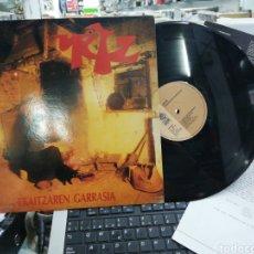 Discos de vinilo: URTZ LP EKAITZAREN GARRASIA 1992 + HOJA PROMO. Lote 210596085