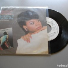 Discos de vinilo: DENIECE WILLIAMS – LET'S HEAR IT FOR THE BOY - SINGLE 1984 BSO FOOTLOOSE EX/VG+. Lote 210842044