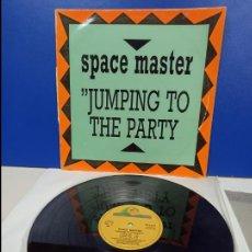 Discos de vinilo: MAXI SINGLE DISCO VINILO - SPACE MASTER - JUMPING TO THE PARTY. Lote 210947465