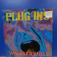 Discos de vinilo: MAXI SINGLE DISCO VINILO - PLUG INS - WONDERWALL. Lote 210963260