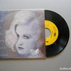 Discos de vinilo: CYNDI LAUPER ?– WHO LET IN THE RAIN SINGLE 1993 NM/VG++. Lote 211271265