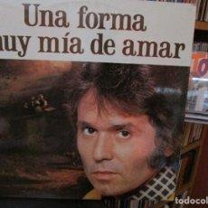 Discos de vinilo: RAPHAEL UNA FORMA MUY MIA DE AMAR //QUERIDA AMIGA MIA / SOLO / TU NOMBRE ME LO CALLO / ..... Lote 211392104