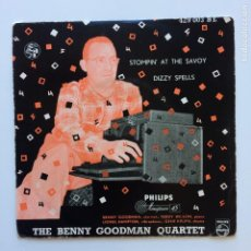 Discos de vinilo: THE BENNY GOODMAN QUARTET ?– STOMPIN' AT THE SAVOY / DIZZY SPELLS HOLANDA 1955 PHILIPS. Lote 211424320