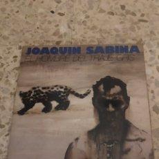 Discos de vinilo: JOAQUIN SABINA - EL HOMBRE DEL TRAJE GRIS VINILO LP 1988. Lote 211486891