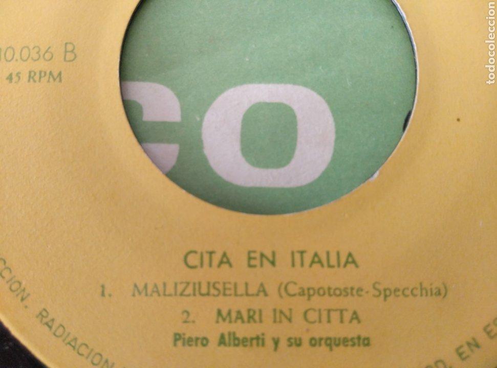 Discos de vinilo: Disco sorpresa Fundador. Cita en Italia. N° 10036 - Foto 3 - 211673355