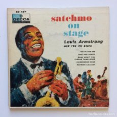Discos de vinilo: LOUIS ARMSTRONG AND THE ALL STARS ?– SATCHMO ON STAGE 2 SINGLES USA 1956 DECCA. Lote 211694888