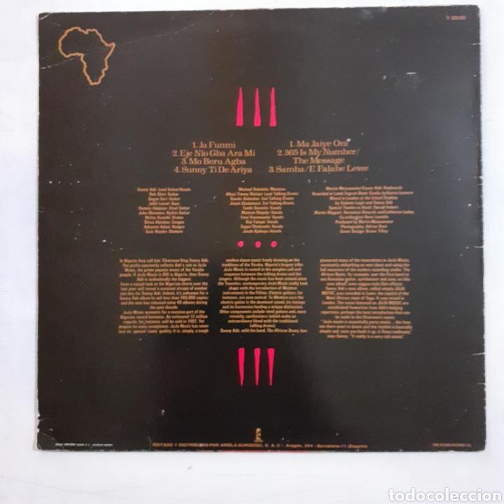 Discos de vinilo: King Sunny Adé. Juju Music. I-205103. España 1982. Disco VG+. Carátula VG+. - Foto 2 - 212002072