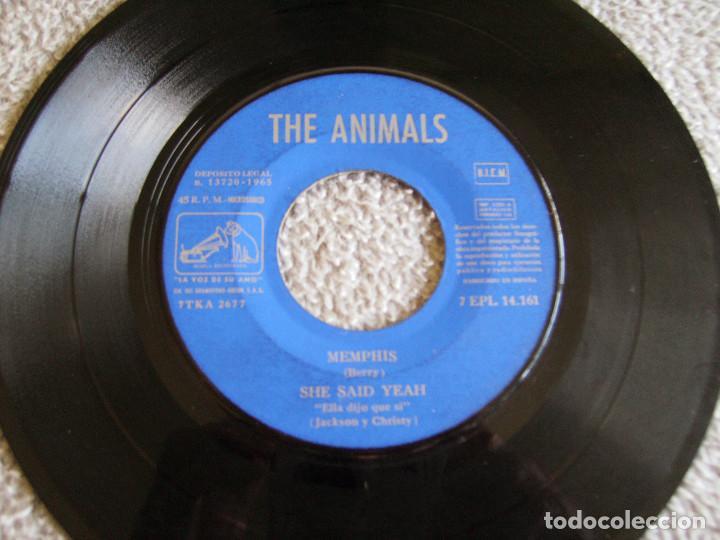 Discos de vinilo: THE ANIMALS - MEMPHIS - E.P. - AÑO 1965 - LA VOZ DE SU AMO - EMI - Foto 3 - 212299747