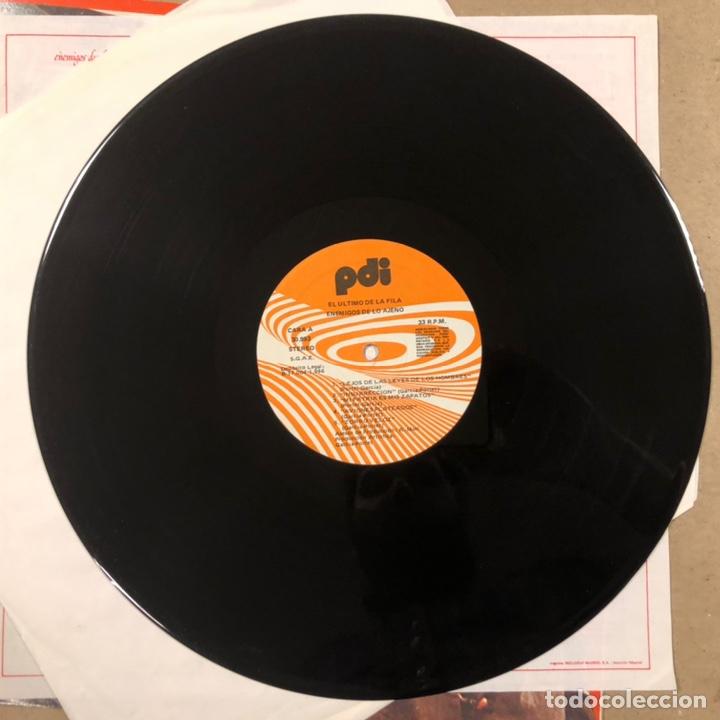 """Discos de vinilo: - L.P. VINILO - EL ÚLTIMO DE LA FILA """"ENEMIGOS DE LO AJENO"""" (PDI 1986). DEDICADO POR QUIMI Y MANOLO - Foto 5 - 212309523"""