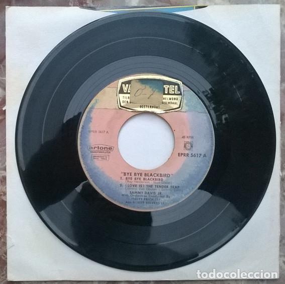 Discos de vinilo: Sammy Davis JR. Bye Bye Blackbird/ The tender teap/ Can't we by friends/ Let there be love. 1965 ep - Foto 3 - 212317197