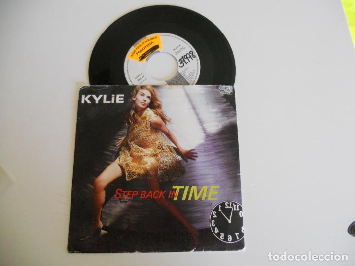 KYLIE MINOGUE – STEP BACK IN TIME SINGLE 1990 VG++/VG++ (Música - Discos - Singles Vinilo - Pop - Rock Extranjero de los 90 a la actualidad)